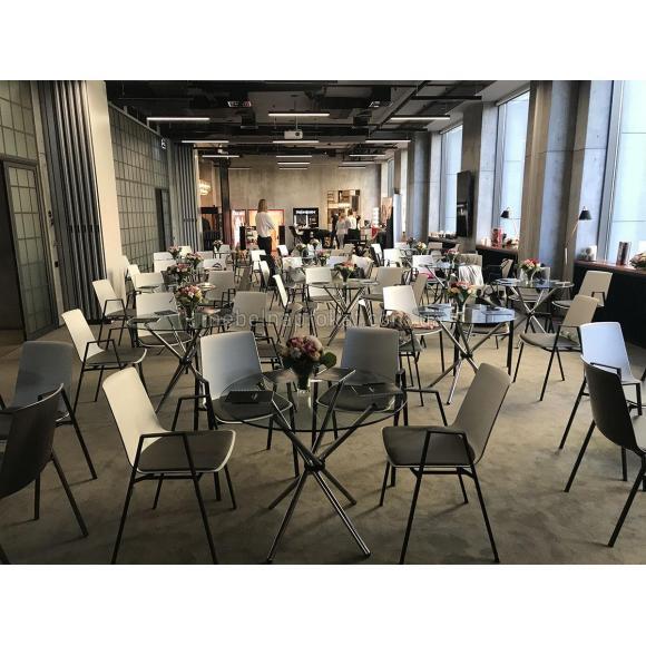 Стеклянные столы ТОГ аренда в Киеве
